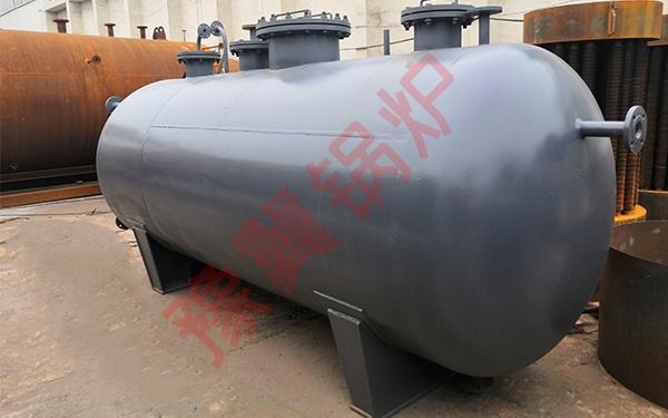 蒸汽储气罐